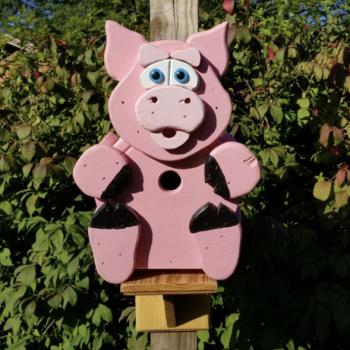 Pig-Birdhouse