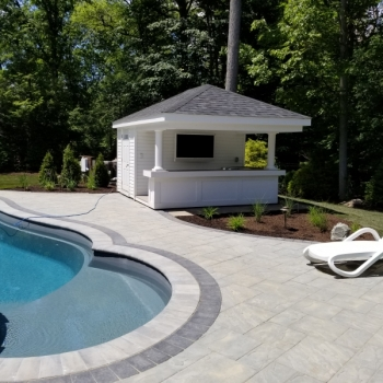 12x14 Siesta with vinyl siding with royal trim bar front