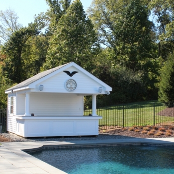 12x12 Siesta with vinyl siding and royal trim bar front